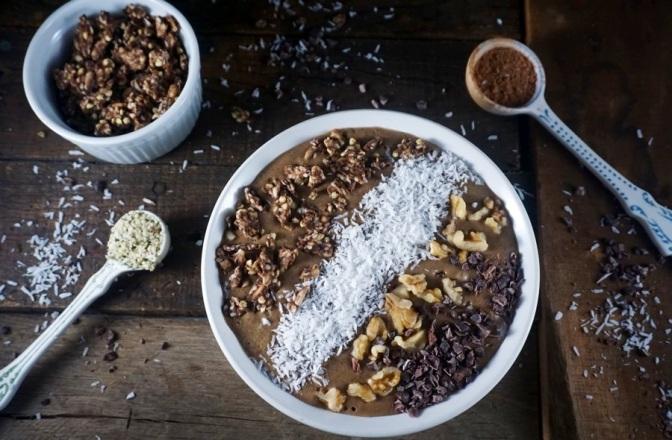Chocolate espresso smoothie breakfast bomb aka mockaccino (vegan)