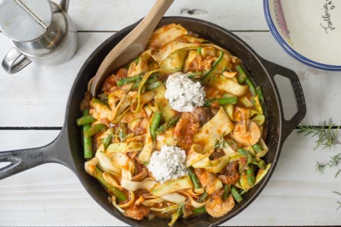Skillet zucchini ribbon veggie pasta + herb vegan ricotta (vegan)